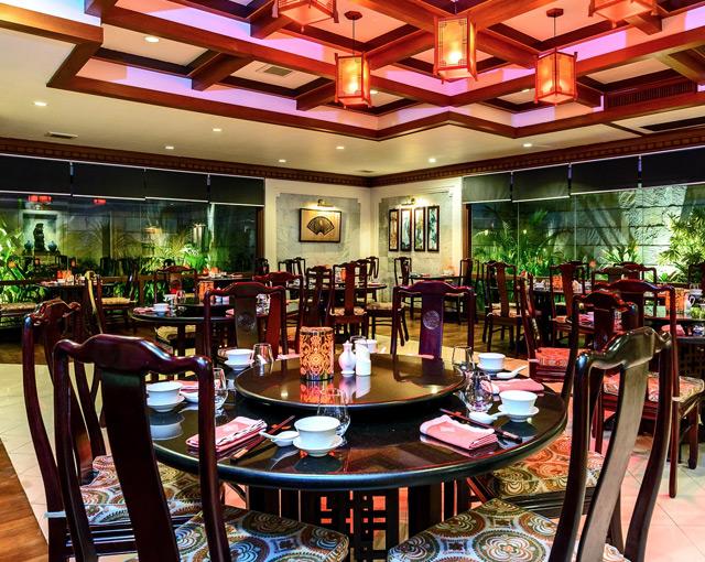 كورومبا المالديف -  صور مطعم الايست-منجعات جزر المالديف