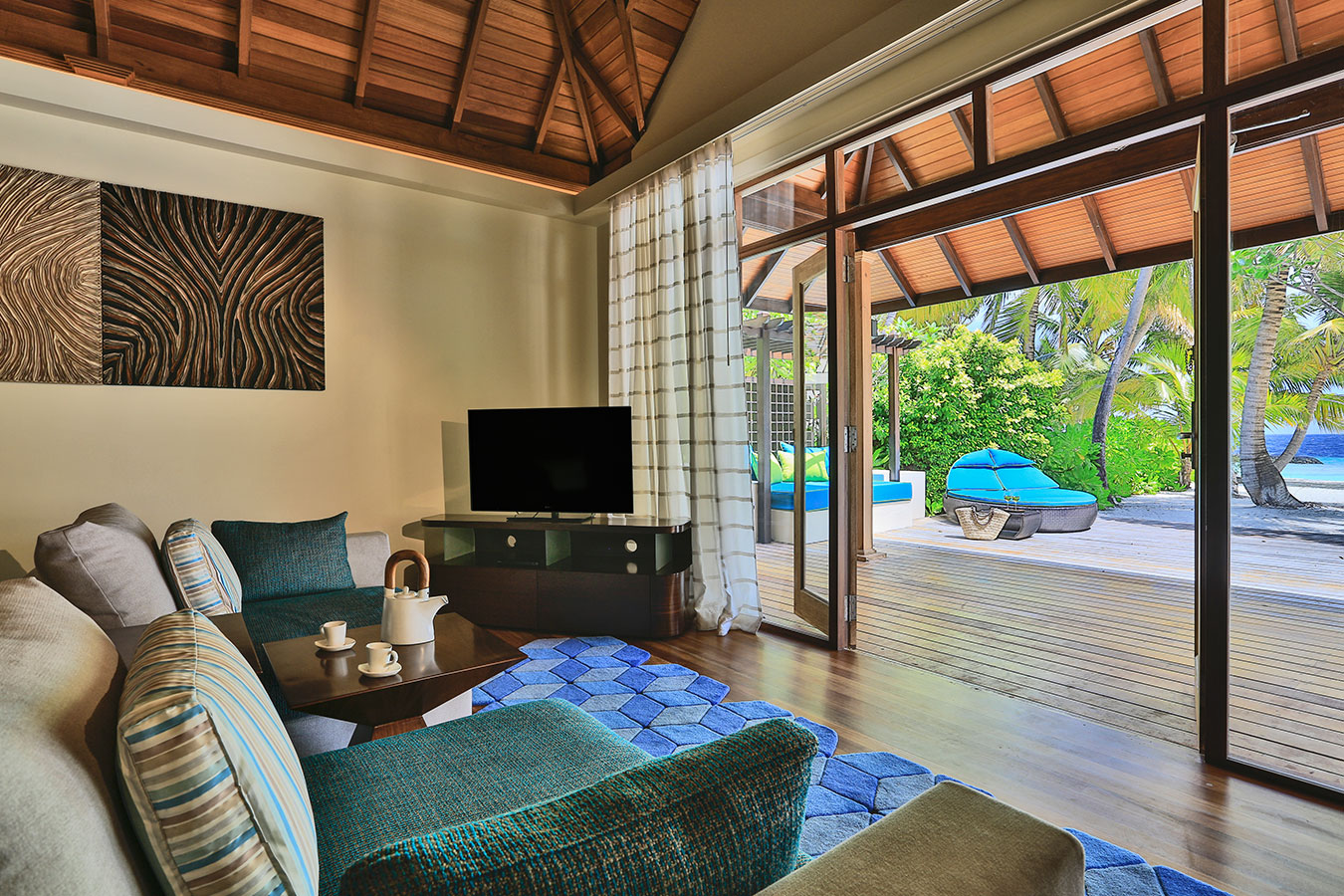 Kurumba Maldives - Royal Residence Bedroom View Image - Maldives Resorts Pool Villa