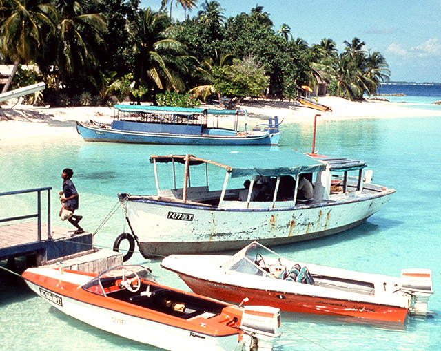 Maldives first Resort arrival boats for Kurumba