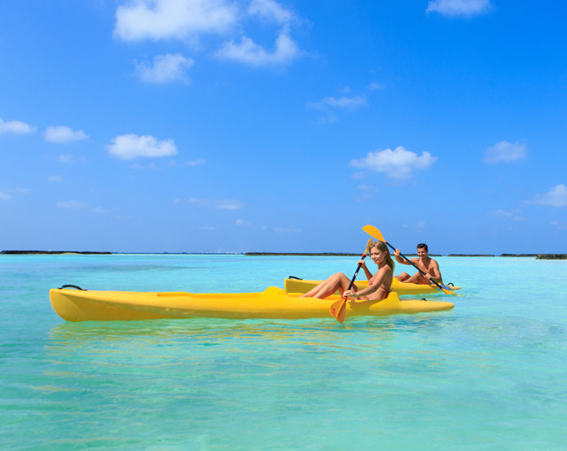 Kayaking Image | Maldives Watersports | Kurumba Maldives
