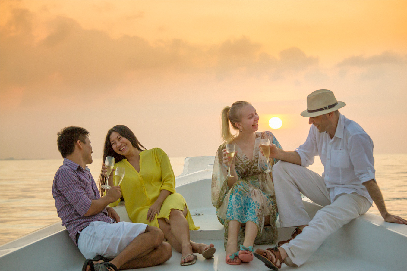 Maldives Island Excursions | Sunset Cruise Image | Kurumba Maldives