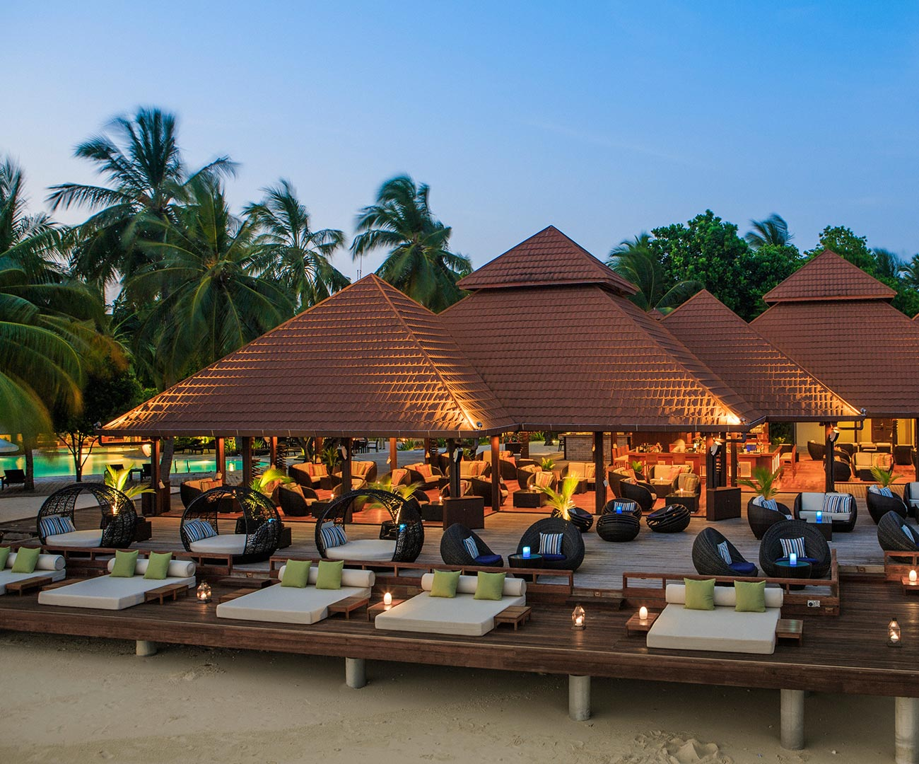 Live Entertainment | Kahlu Bar Image | Kurumba Maldives
