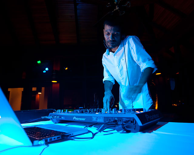 DJ Evening Live Music Image | Kurumba Maldives Resort