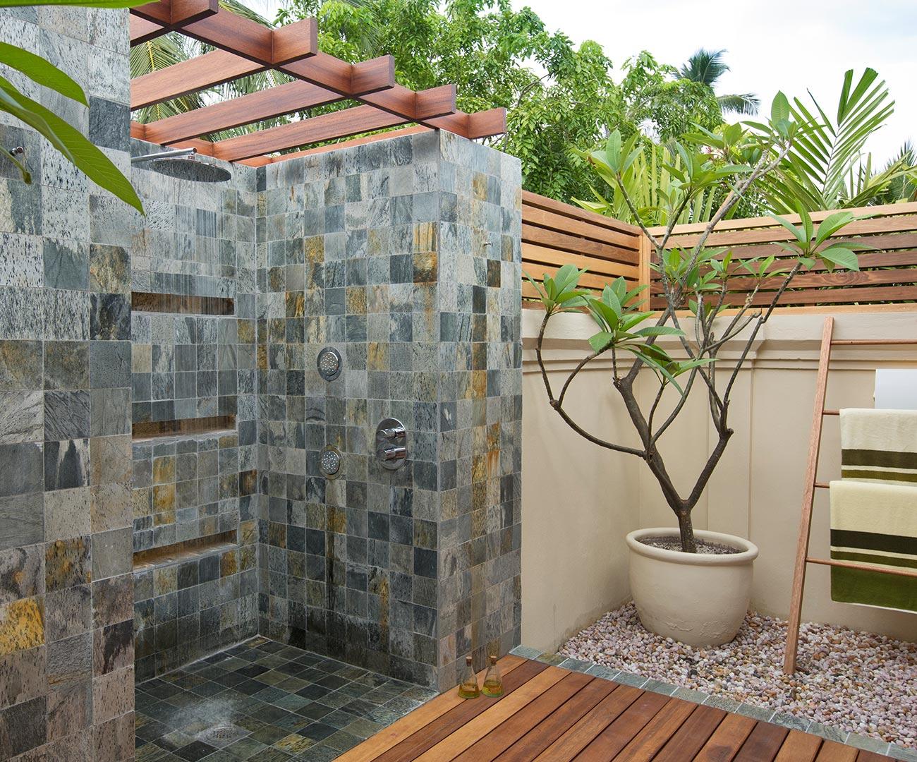 Kurumba Maldives - Presidential Pool Villa - Outdoor Shower Image - Maldives Resorts