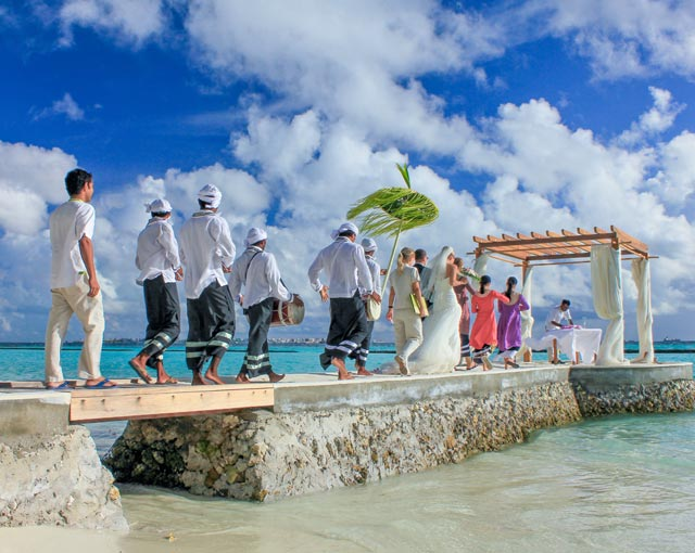 Maldives Resort Island Wedding Image | Kurumba Maldives