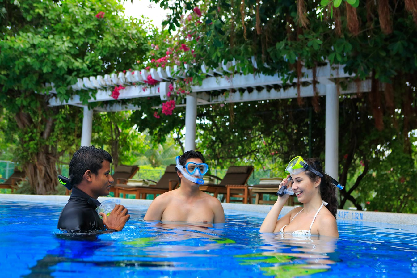 Snorkelling Lesson in the Maldives Islands image| Kurumba Maldives Resort