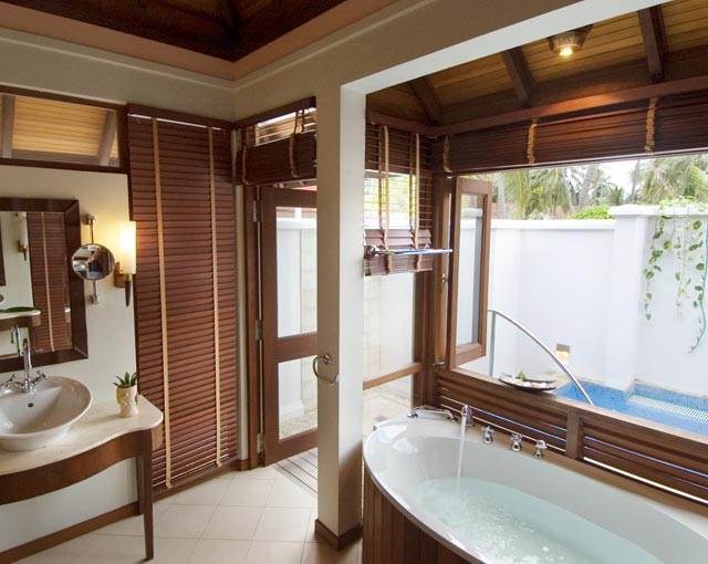 Kurumba Maldives Resort - Beach Villa with Jacuzzi